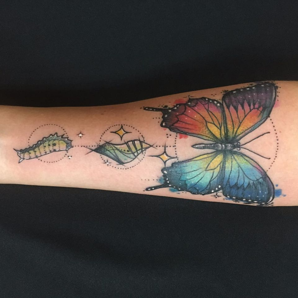 Trabalho da Ferna Tenjou! #FernaTenjou #tatuadorasbrasileiras #butterfly #borboleta #colorful