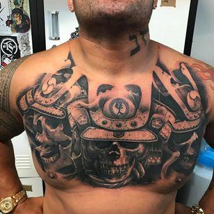 Hunt's stunning chest piece by Chris Mata'afa. (Via IG - markhuntfighter) #blackandgrey #skull #ufc