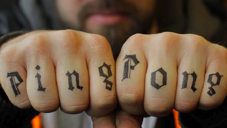 Ping pong knuckle tattoo by Tino Güüti #Tinoguuti #pingpong #pingpongtattoo #tabletennis #tabletennistattoo