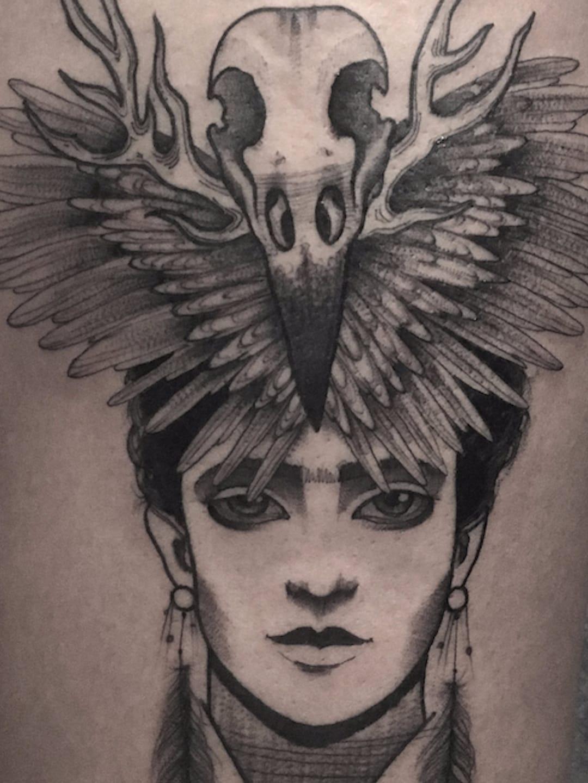 Frida Kahlo por Melissa Khouri! #MelissaKhouri #tatuadorasbrasileiras #tatuadorasdobrasil #tattoobr #tattoodobr #blackwork #neotrad #neotraditional #neotradicional #newtraditional #Frida #FridaKahlo #Feminism #feminismo #feminist #feminista