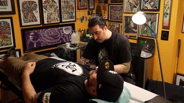 SESSIONS: Damien Rodriguez Creates a Powerful Dragon Tattoo