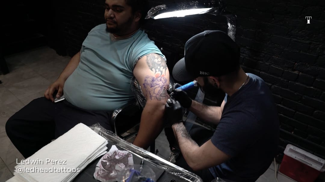 Ledwin Perez tattooing during our latest video with First Class Tattoo NYC. #firstclasstattoo #firstclassnyc