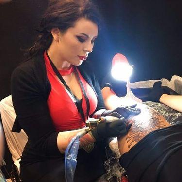 12 Tatuagens Neo Traditional De Mulheres Por Hannah Flowers