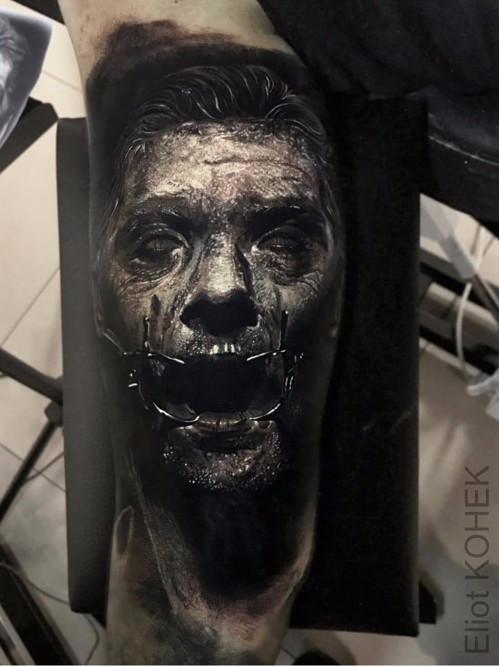 Por Eliot Kohek #EliotKohek #gringo #realismo #realism #pretoecinza #blackandgrey #man #homem #zombie #zumbi #dark #terror #horror #demon #demonio