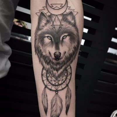 Native American feels by Kristi Walls #KristiWalls #realistic #realism #blackandgrey #linework #moon #pattern #wolf #animal #forest #nature #dreamcatcher #feather #tattoooftheday