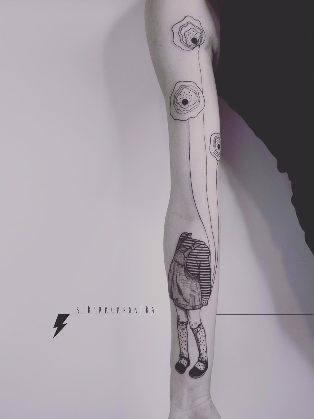 Cabeça de vento #SerenaCaponera #gringa #blackwork #grafico #graphic #vintage #menina #girl #balao #baloon