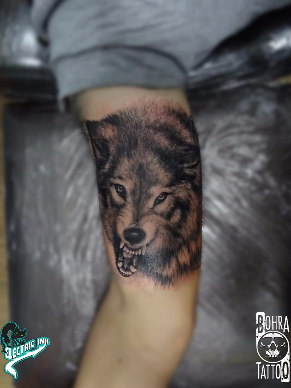 Feroz #JandersonBolzan #Bohra #brasil #brazil #brazilianartist #tatuadoresdobrasil #realismo #realism #lobo #wolf #blackandgrey #pretoecinza