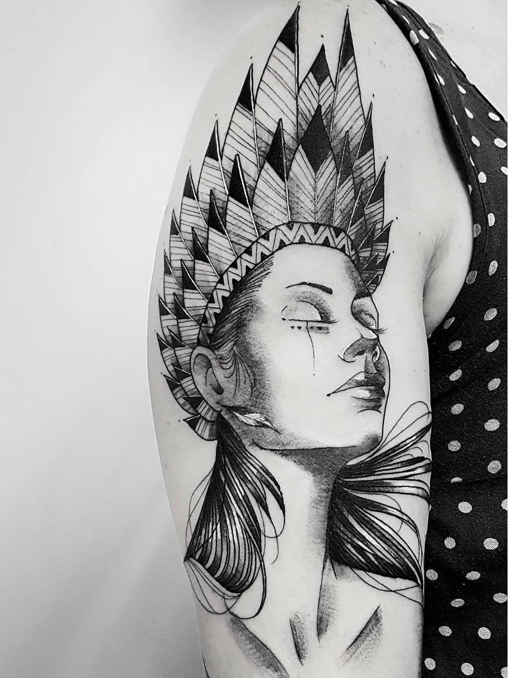 #LeoMarsiglia #brasil #brazil #brazilianartist #tatuadoresdobrasil #blackwork #fineline #pontilhismo #dotwork #woman #mulher #india #indian #native