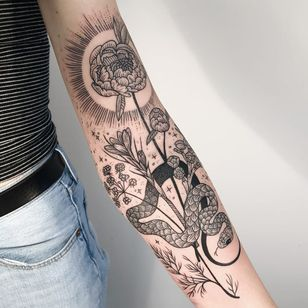 Flower and snake tattoo by Pony Reinhardt #PonyReinhardt #freeorgy #linework #dotwork #illustrative #flowers #herbs #nature #leaves #snake #reptile #sun #light #sparkle #stars #tattoooftheday