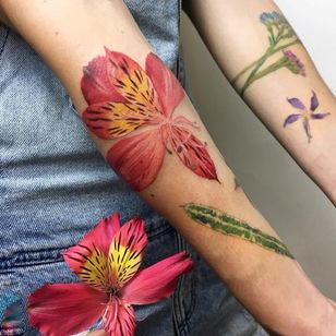Tropical flower tattoo by Rit Kit #RitKit #flowertattoos #color #realism #realistic #hyperrealism #flower #tigerlily #leaves #floral #nature #plant #tattoooftheday