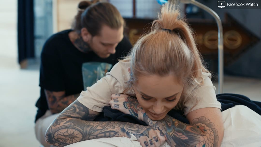 Antony Flemming tattooing his wife, Belle Jordan #AntonyFlemming #guestartist #thetattooshop #miami #wynwood #tvseries #facebookwatch