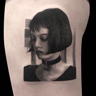 The Professional tattoo by Bbrung #Bbrung #movietattoos #blackandgrey #realism #realistic #Theprofessional #LeonTheProfessional #natalieportman #90s #filmstill #movie #film