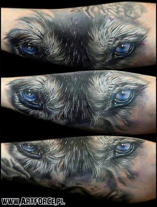 Wolf tattoo, artist unknown. #wolf #wolftattoo