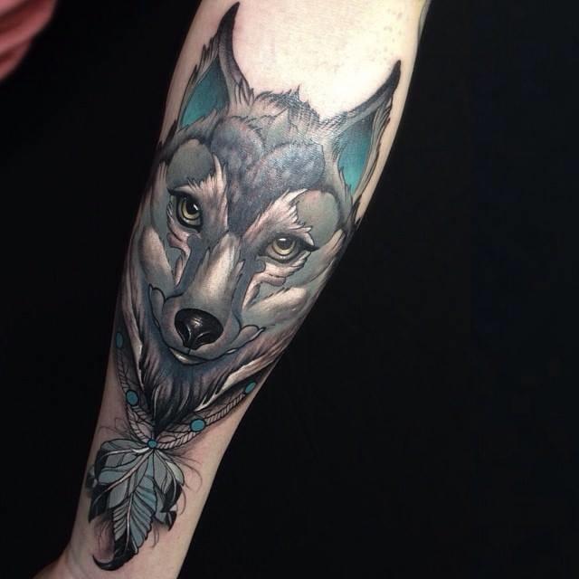 Wolf tattoo by Yliana Paolini #wolf #wolftattoo