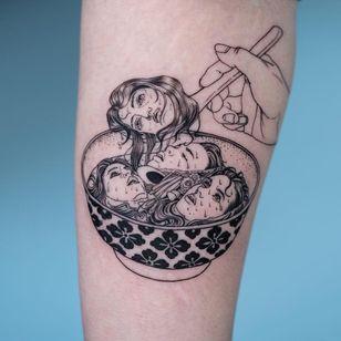 Tattoo by Oozy #Oozy #foodtattoos #food #namakubi #noodles #soup #ramen #severedhead #bowl #pattern