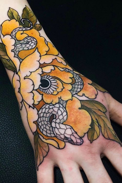 Recent handjob #handtattoo #snake #flower #floral #chrysanthemum #jentonic #neotraditional