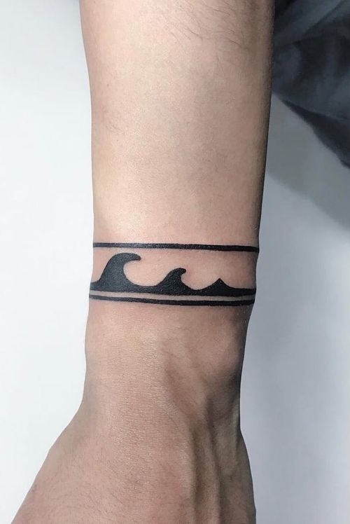 #wave #wavetattoo #armbands #bandittattoo