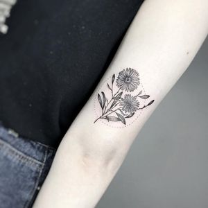 Birth month flower tattoo by Alina Bunami #AlinaBunami #aster #birthmonthflowertattoos #birthmonthflowers #flowertattoo #flowers #florals #petals #blooms #leaves #nature #plant #birthmonth