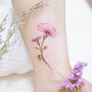 Birth month flower tattoo by Mini Lau #MiniLau #morningglory #morningglories #birthmonthflowertattoos #birthmonthflowers #flowertattoo #flowers #florals #petals #blooms #leaves #nature #plant #birthmonth