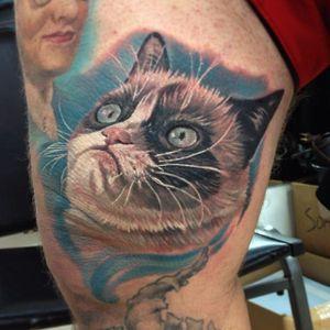 Grumpy Cat tattoo by Casey Anderson #CaseyAnderson #TardarSauce #GrumpyCat #cat #kitty #petportrait #GrumpyCattattoos #GrumpyCattattoo #cattattoo #meme #petportraittattoo #funnytattoo