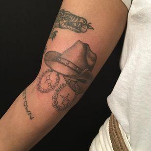 Cowgirl hat tattoo by Doreen Garner aka flesh and fluid #DoreenGarner #fleshandfluid #savedtattoo #NewYork #Brooklyn #cowgirl #blackandgrey #tattooedtravels #tattooideas #tattooshop #tattoostudio #travel #tattoos