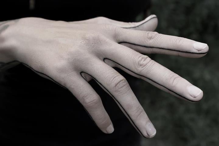 Hand line by Kenji Alucky. #Minimal #LineTattoo #BlackLine