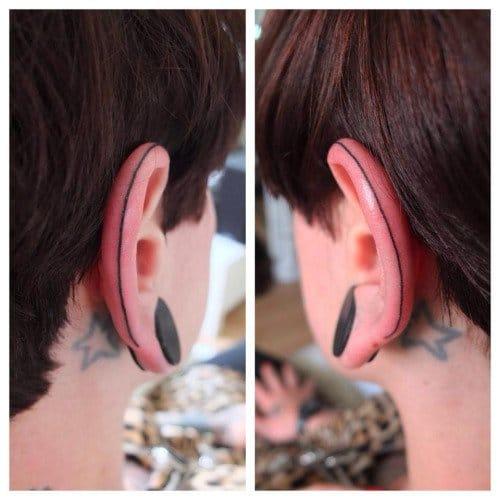 Ear line by Indy Voet. #Minimal #LineTattoo #BlackLine