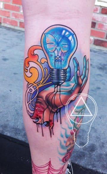 ¡¡Brillante y atrevido es siempre una opción sólida !!  Tatuaje de The Art of London