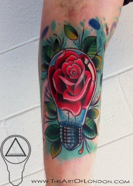 Tatuaje de bulbo de flor por The Art of London