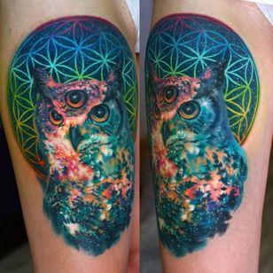 Nika Samarina makes some trippy space tattoos... Here a sacred geometry cosmic owl.