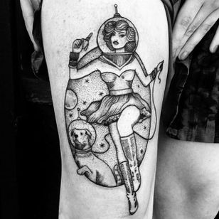 Cool spacegirl by Anka Lavriv.