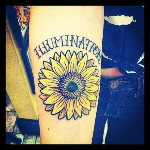 Another sunflower. It is a tribute to the book Everything is Illuminated. Tattoo by Edwin Marquez.