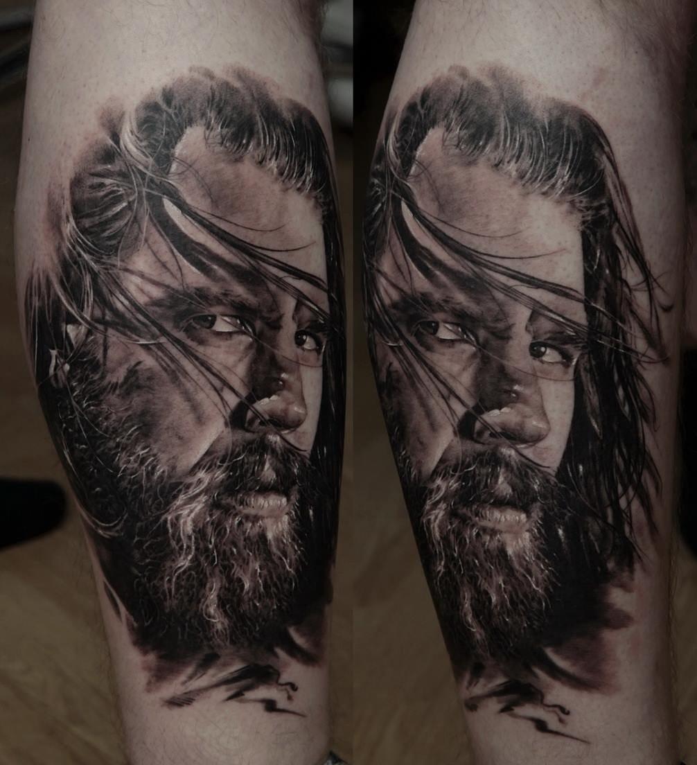 Dmitriy Samohin e a tatuagem de destaque! Realismo lindo!