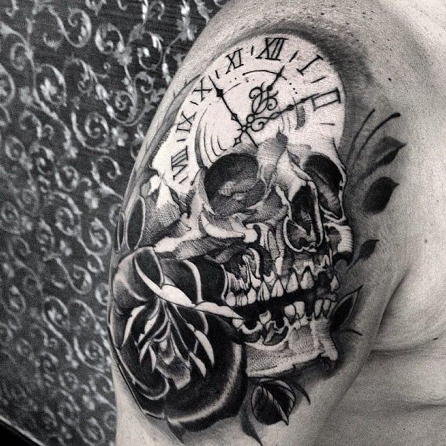 Skull Clock tattoo by Fredao Oliveira #blackwork #blckwrk #linework #shading #abstract #sketchstyle #skull #clock #time #rose #FredaoOliveira
