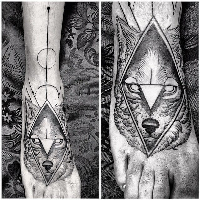 Wolf Foot tattoo by Fredao Oliveira #blackwork #blckwrk #linework #shading #abstract #sketchstyle #wolf #FredaoOliveira