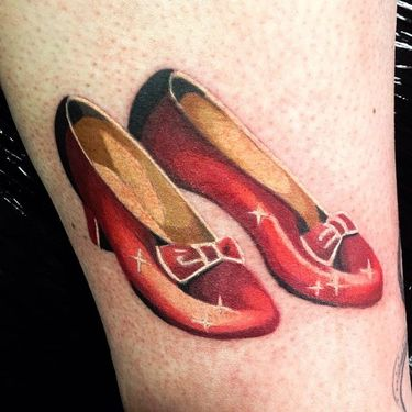 8 Sparkly & Magical Ruby Red Slippers Tattoos