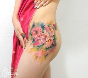 Flower tattoo by Silo. Photo: Instagram.