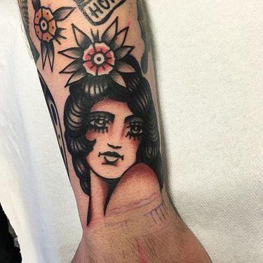 11 Stylish Traditional Girl Tattoos by Michele Ianni