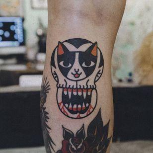 Cat Tattoo by Woo Tattooer #cat #skull #catskull #mouth #cattattoo #WooTattooer