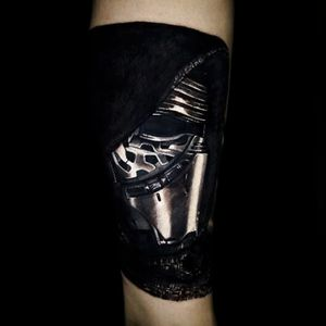 Star Wars tattoobt Carlos Rojas via @crojasart #starwars #mayfourth #portrait #KyloRen #CarlosRojas