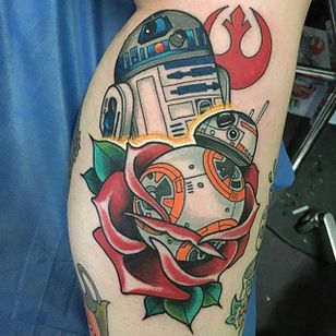 Tattoo by Pete larkin via @peterjlarkinthethird #starwars #mayfourth #r2d2 #rose