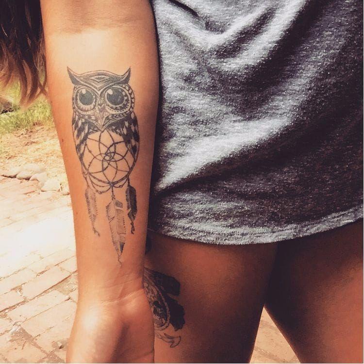 Owl dreamcatcher tattoo via Pinterest #dreamcatcher #tribal #nativeamerican #feathers #blackwork #owl