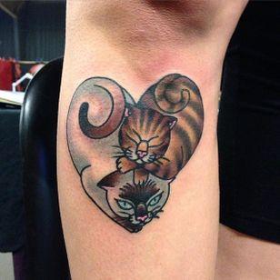 HEART CAT by @iris_lys #IrisLys #heart #cats #cattoo #cattooer
