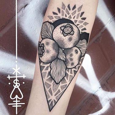 10 Plump Blueberry Tattoos