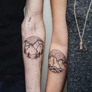 Best friends who share the same home. Best friend tattoos by the talented Brady Cyr via @braydel_tattoo on instagram. #bestfriends #bestfriendtattoos #bfftattoos #matchingtattoos #flash #flashtattoo #dotwork