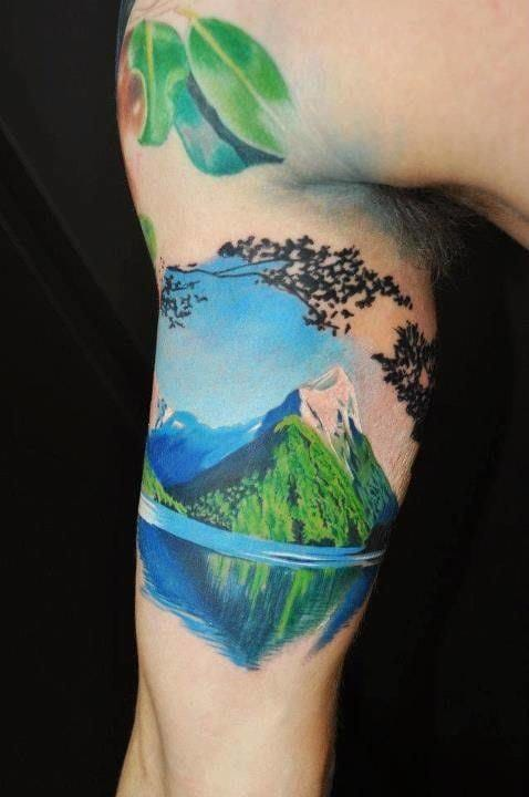 ...and the realistic version of a mountain tattoo by Pepa! Which one do you prefer the more? #mountain landscape #realistic #realism #Pepa