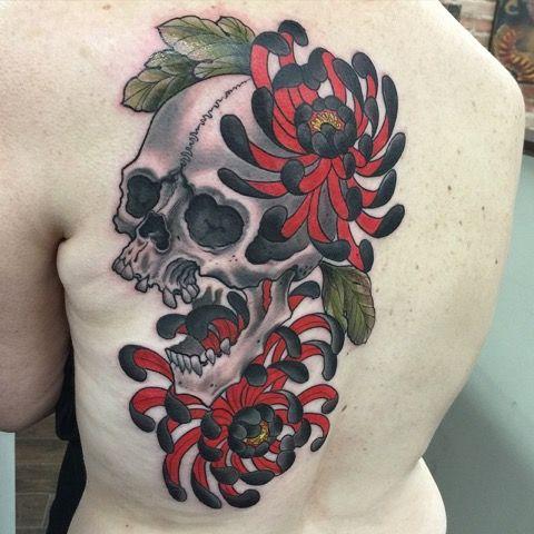 One shot blast at Love Hate Asheville #skull #chrysanthemum #tattoo #amijames #lovehatesocialclub