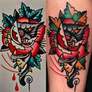 By javier_rodrigueztattoo #sangbleuLondon #dalston #ContemporaryTattooing #tttism #lovettt #tattoo #sangbleu #tattoostudio #tattooshop #london #england #uk #blackandgrey #dotwork #sacredgeometry #mysticism #linework