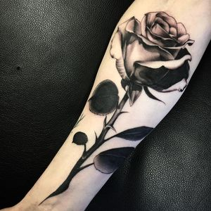 Black and grey rose by Woz