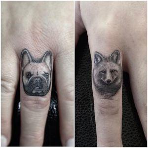 Some finger bangers #fingertattoo #dog #fox